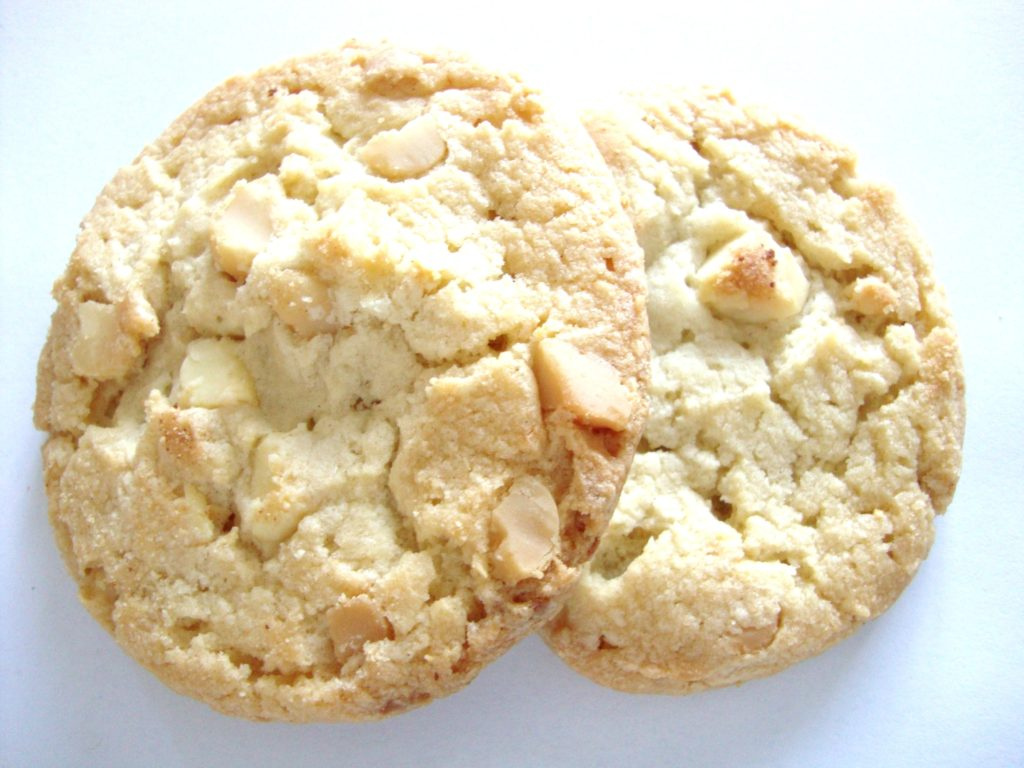Pepperidge Farm Tahoe White Chocolate Macadamia Crispy Cookies