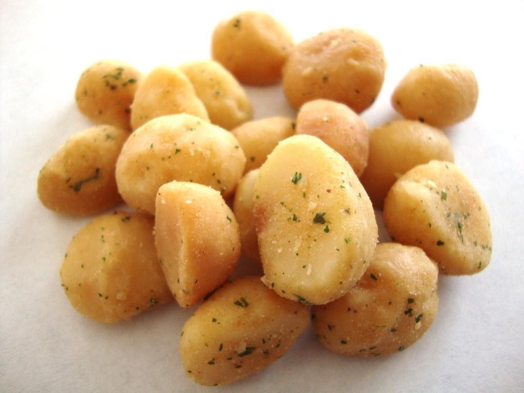 Mauna Loa Maui Onion & Garlic Macadamias