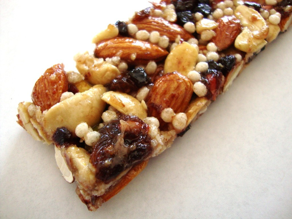 Click to Buy KIND Plus Bars, Pomegranate Blueberry Pistachio + Antioxidants