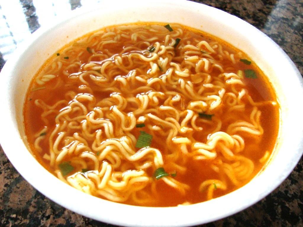 Paldo Bowl Noodle Soup, Kimchi Flavor