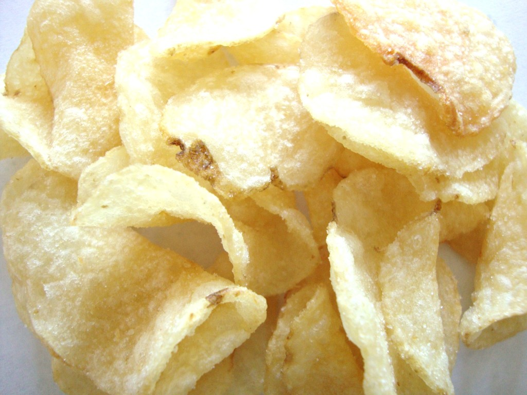 Deep River Snacks Sweet Maui Onion Kettle Cooked Potato Chips