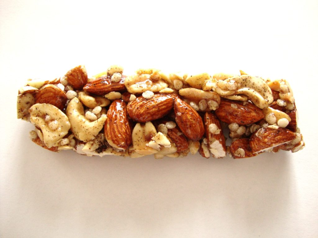 Click to Buy KIND Nuts & Spices Bars, Madagascar Vanilla Almond