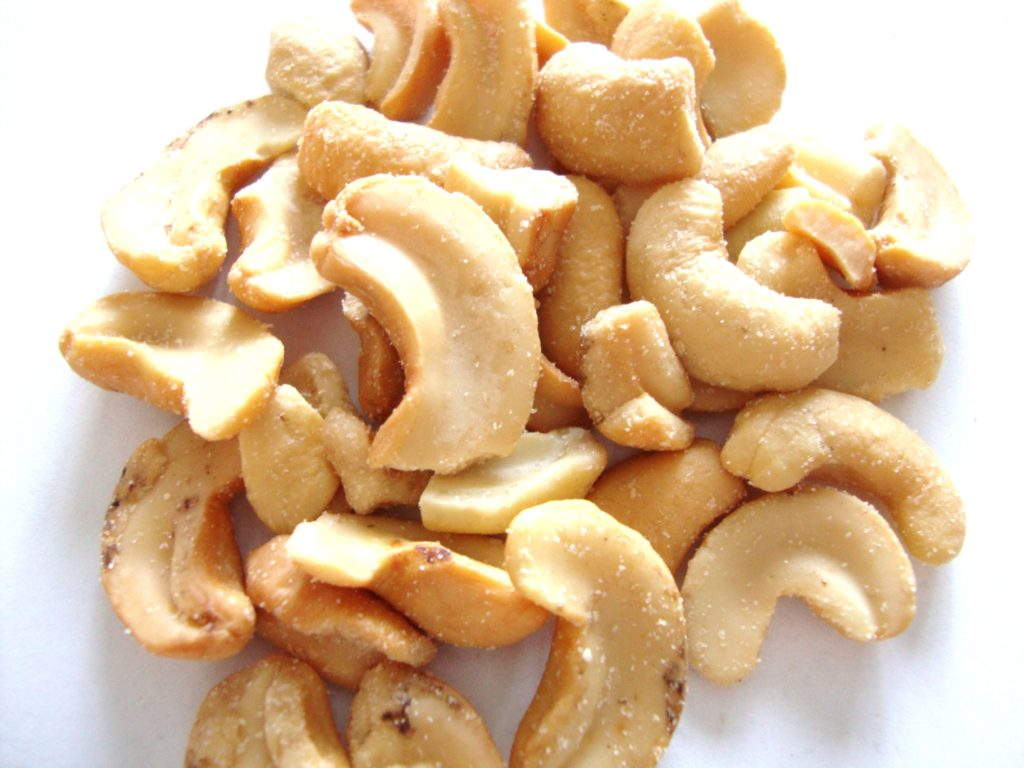Click to Buy Emerald Roasted & Salted Cashew Halves & Pieces