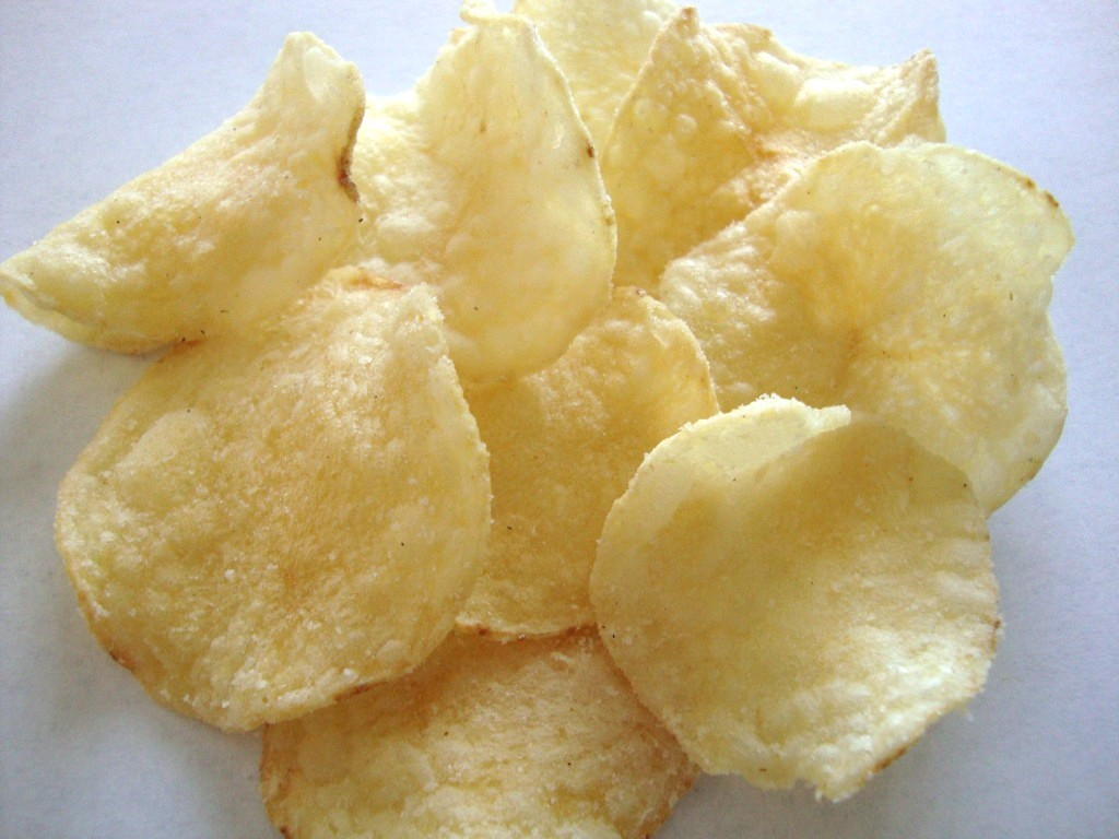 Lay's Kettle Cooked 40% Less Fat Sea Salt & Vinegar Potato Chips
