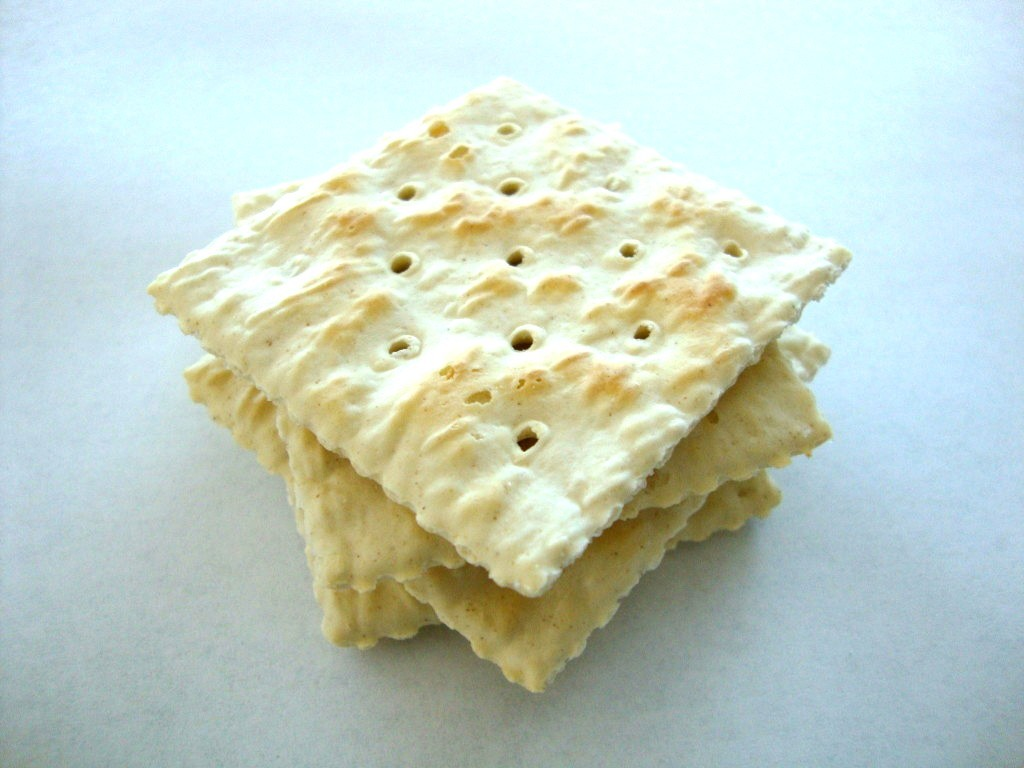 Nabisco Premium Saltine Crackers, original topped with sea salt